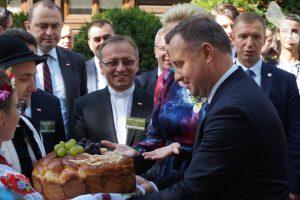 Rolnicy z całej Polski w Spale dziękowali za plony