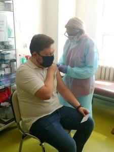 Zarząd Powiatu Kutnowskiego zachęca do szczepień i sam daje przykład